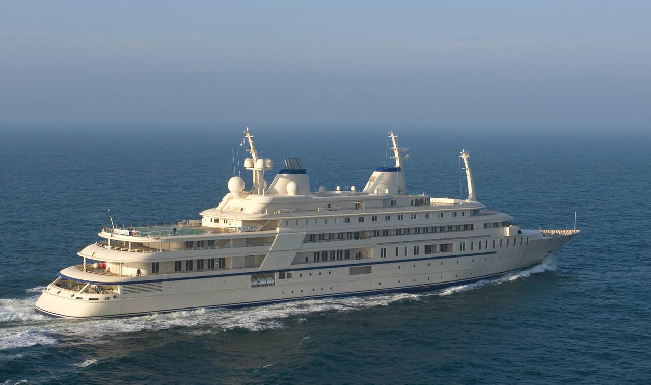 al said yacht, dubai billionaire yacht, billionaire superyacht, multi million dollar yacht