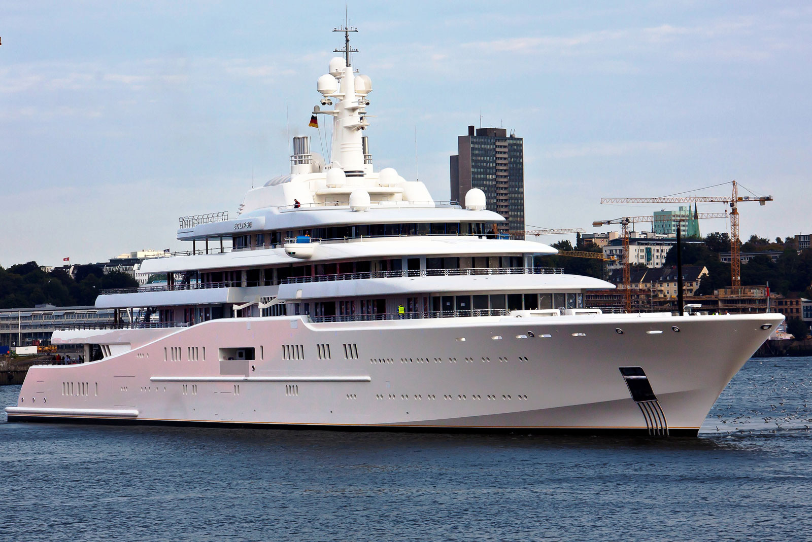 the eclipse russian billionaire yacht, russian billionaires yacht, worlds biggest yacht, worlds longest yacht